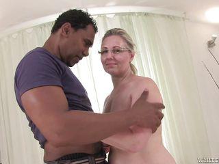 Я снимаю жену маму голой