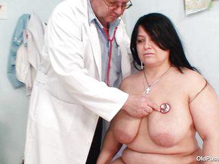 Смотреть порно немецкий доктор