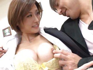 Порно нарезки кончают японкам