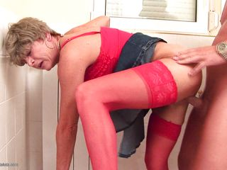 Порно негры трахают белую жену