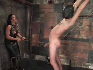 Порно госпожа с рабой