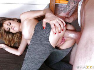 Порно полных втроем