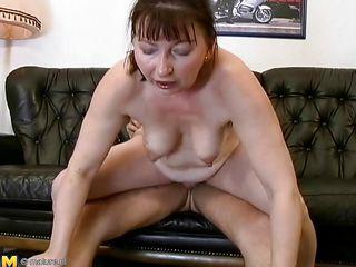 Порно жены в отключке