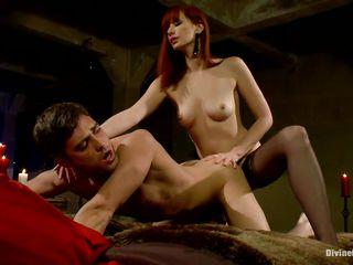 Маленькая рыжая порно