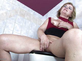 Домашнее порно жена подруга