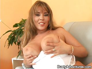 Смотреть порно девушек с маленьким грудью