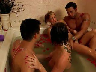 Смотреть межрассовое порно двойное проникновение