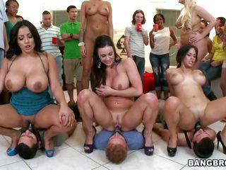 Любительское порно студентов в общаге