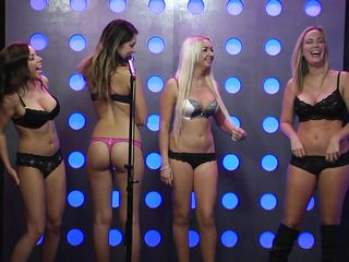 Порно молоденьких девушек видеоролики