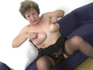 Порно видео бабушки в нижнем белье