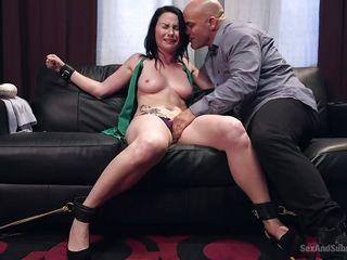 Пирсинг порно видео онлайн
