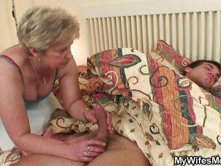Домашние порно зрелых мам