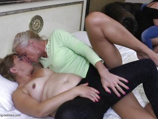 Монашки лесбиянки порно онлайн