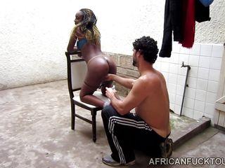 Порно тубе негр трахает белую рабыню