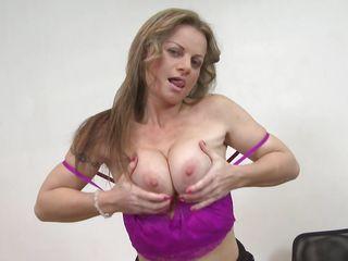 видео снял мастурбацию жены