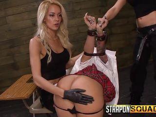 Порно две госпожи и раб