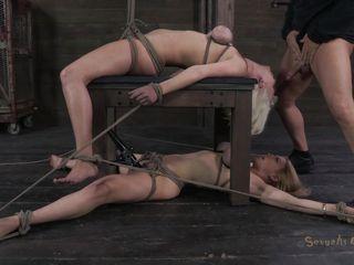 Порно госпожа ебет раба