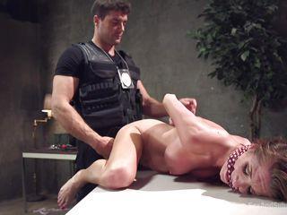 Порно начальник жестко наказал секретаршу