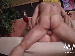 Зрелые и молодые лесбиянки порно