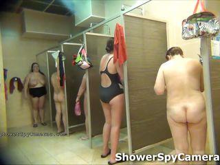 Подглядывание за голыми бабами видео