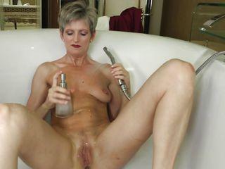 мастурбация подручными предметами