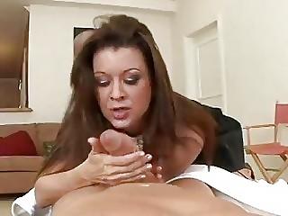 Секс зрелой домохозяйкой