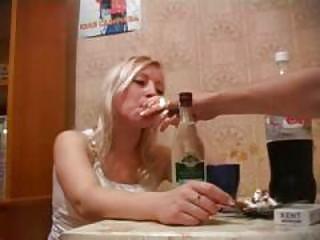 Порно с пьяными русскими шлюхами