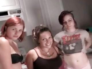 Порно писающее женщины найти