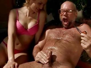 Порно писсинг в рот лисбиянки