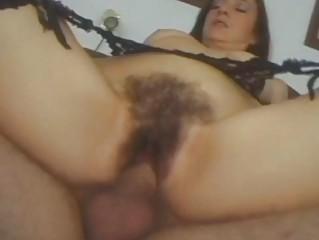 Порно волосатые писают в рот