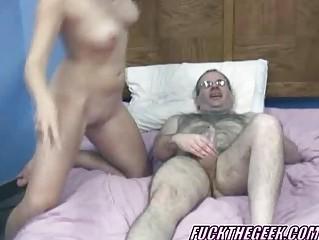 Смотреть порно секретаршу пустили по кругу