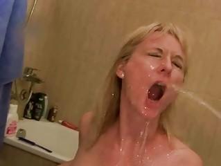 Дамский туалет писающие порно