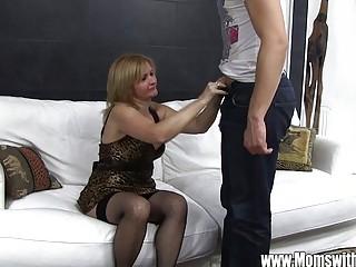 Мальчик снял шлюху порно