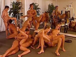 Порно фильм межрасовый двойные проникновения