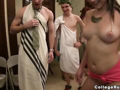 Видео дикии нудисты
