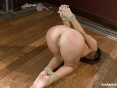 Хозяйка наказывает домработницу порно
