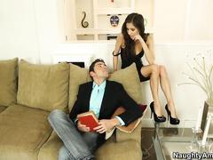 Порно с служанкой пока жена спит