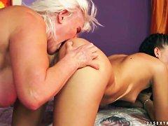 Найти секс пожилых дам