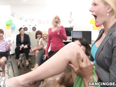 Старушке ссут в рот порно
