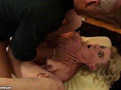 Зрелые дамы секс видео домашнее
