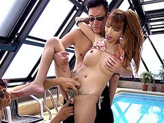 Порно с проститутками в бассейне