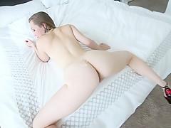 Смотреть порно старый ебет