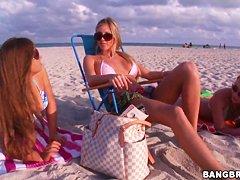 Порно нудисты на пляже