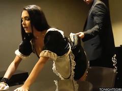 порно в костюме горничной