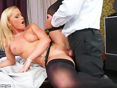 Порно в чулках крупным планом