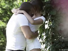Секс видео молодежи на природе
