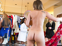 В доме горничной порно
