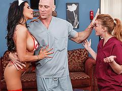 Порно спящих медсестер