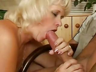 Зрелые красотки порно смотреть