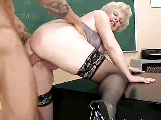 Видео зрелые дамы смотреть онлайн